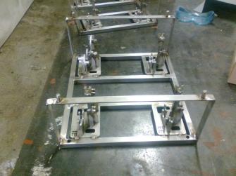 Ustavovací rám pre výrobu komponentov pre vozidlá FORD